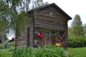 Kuhan tallin aitta on kunnostettu majoituskäyttöön Ranualla